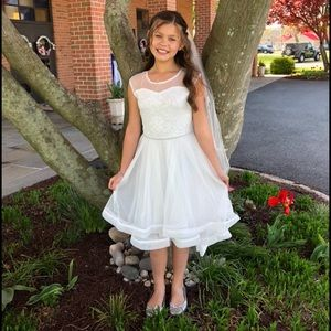 Girls (14) white dress